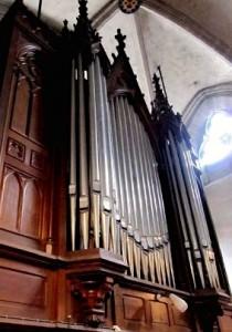 Buffet de l'orgue de l'église Saint-Jacques de Cosne-Cours-sur-Loire