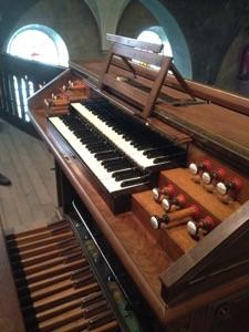 Console de l'orgue de Decize