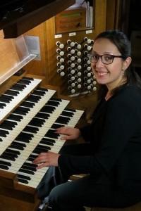 Coralie Amedjkane, orgue
